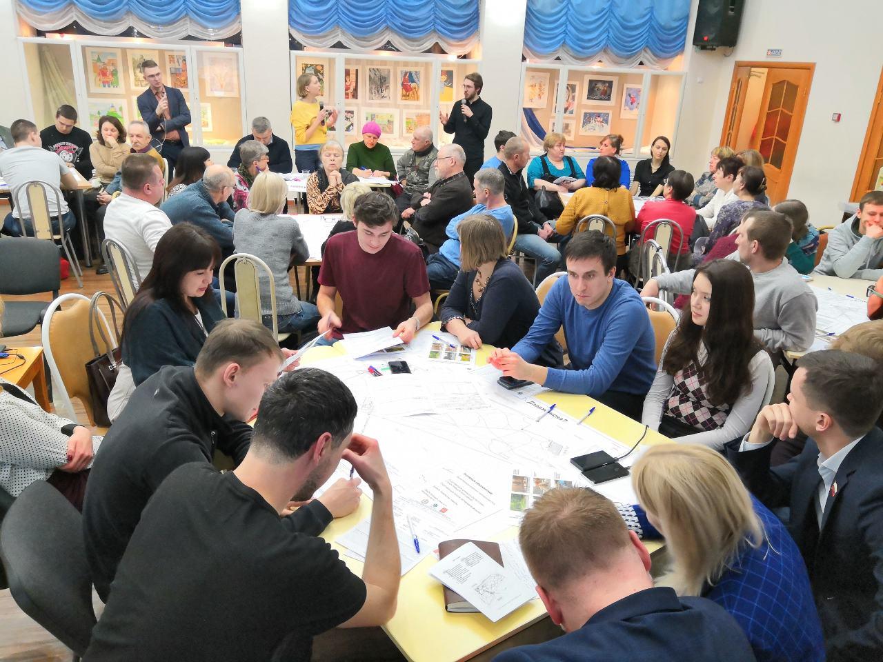 С жителями Дзержинска обсудили будущее центрального городского парка